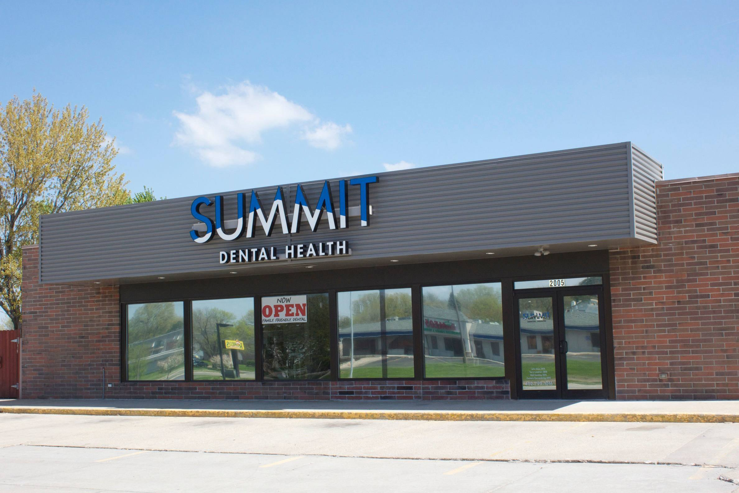 Summit Dental Health Blondo Office